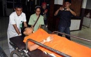 Gilberth Madika (16), korban penembakan oleh orang tidak dikenal, di Jalan Skyland, Kotaraja, Jayapura, Senin (4/6/2012) malam.