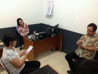 Perbincangan Direktur Pelaksana SKKK Jayapura, dengan Direktur Pelaksana SKKK Bandung dan Ketua Yayasan SKKK Bandung