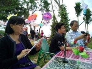 Bu Trifosa Lily, Dirpel SKKK Jayapura, mendampingi Pak Joko dan Pak Andi dari YKKI Pusat